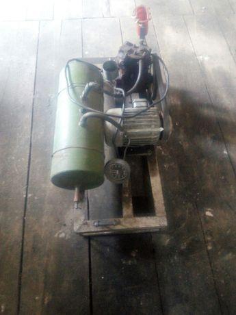 Продам 3-х фазный компрессор в хорошем состоянии