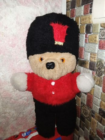 Английский гвардеец- медвежонок