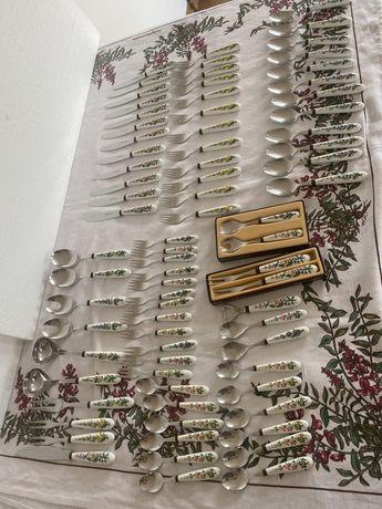 Винтаж: столовые приборы из коллекции Ботаника Виллерой & Бох.
