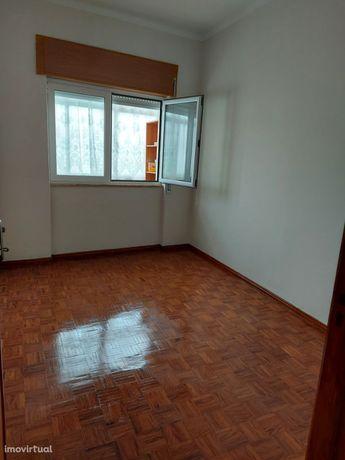 Apartamento T3 para arrendamento – Barreiro, Alto do Seixalinho