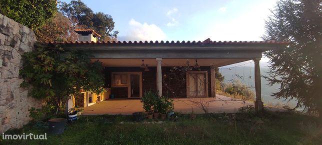 Quinta com Moradia Nova T3 e uma moradia T1 com vista para o Douro