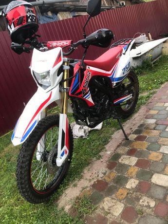 Мотоцикл Hornet Dakar (250 куб.см)