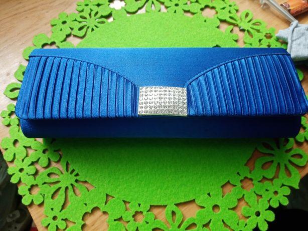 Torebka kopertówka niebieska elegancka do sukni