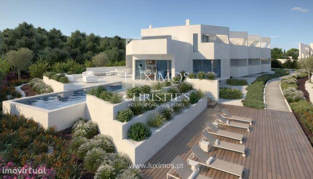 Terreno com vista mar para construção de moradia, Carvoeiro, Algarve
