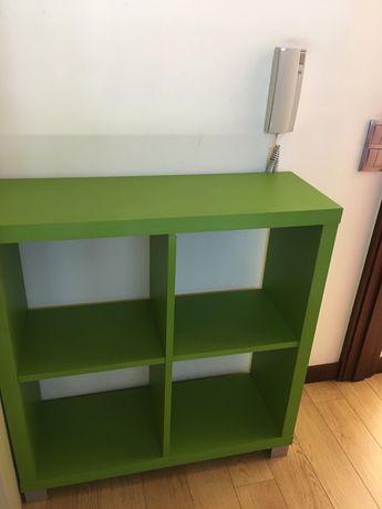 Armário verde vivo