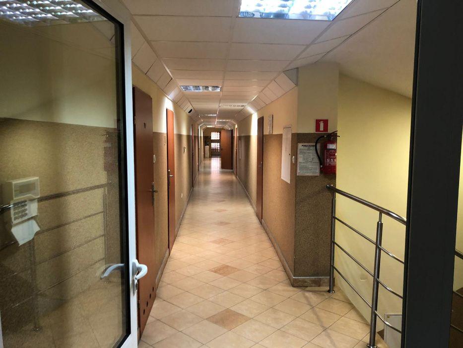 Wynajem biura , powierzchni biurowych ew. noclegowych Żychlin - image 1