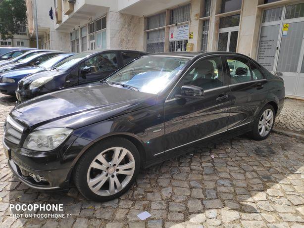 Mercedes modelo C220