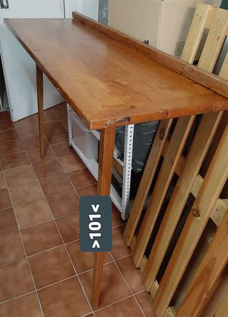 Mesa articulada para casa ou oficina