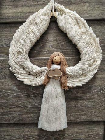 Średni anioł ze sznurka