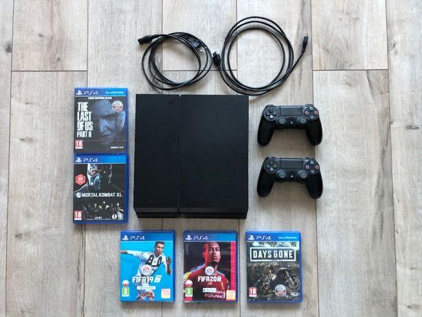 Playstation 4, 1TB stan b. dobry + 2 pady + gry + kable