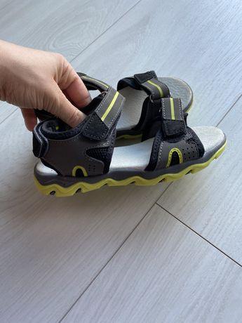 Sandały rozmiar 28