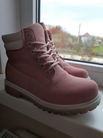 Розовые ботиночки 36-37 размер