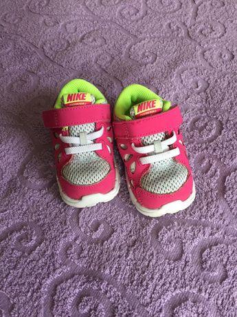 Кроссовки Nike найк 19,5