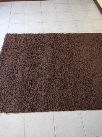 Carpete castanha