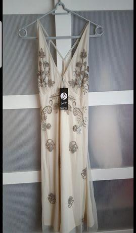 Zdobiona sukienka r. M