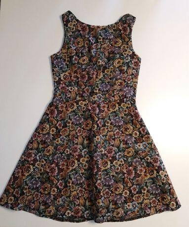 Sukienka vintage w kwiatki