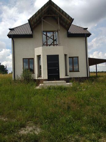Продається новий будинок в Зарічанах.