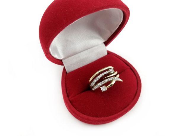 Złoty pierścionek z CYRKONIAMI 333 4,91G R17