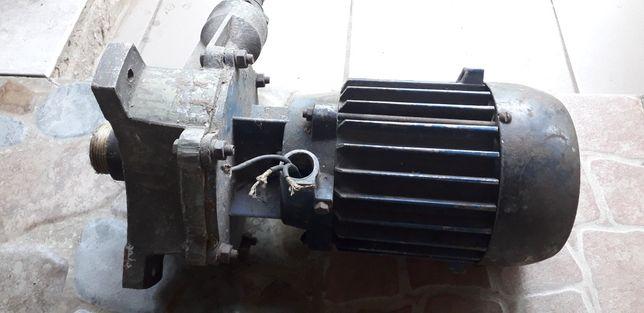 Насос,двигатель для скважины