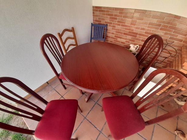 Conjunto de mesa + 4 cadeiras