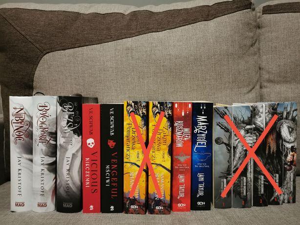 Pakiet książek fantasy na paskudną jesień