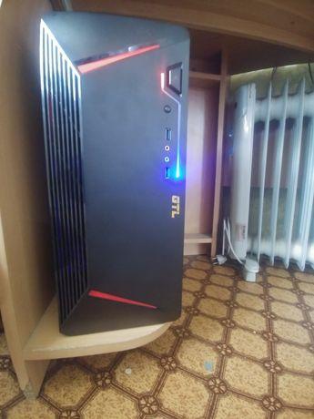 Игровой компьютер с led монитором LG 22''