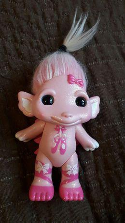 Rozowy troll*zabawka