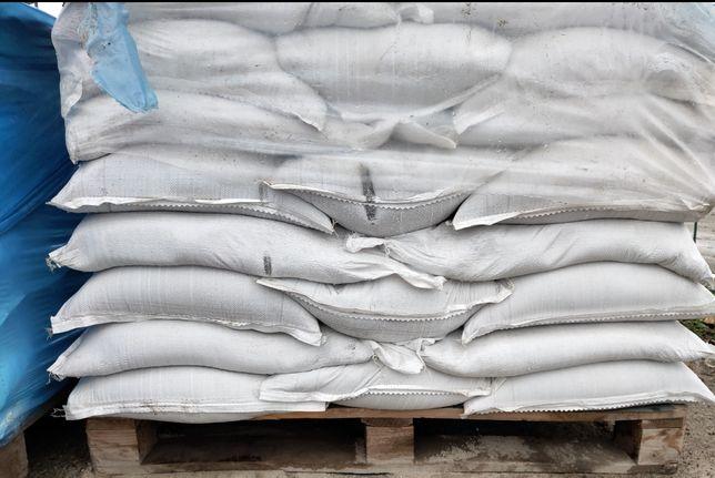 Пісок в мішках 35 грн/шт.