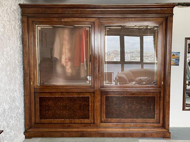 Итальянский спальный гарнитур.Шкаф-купе+кровать+2 тумбочки+зеркало