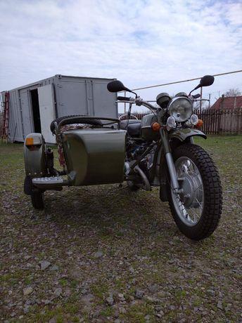Продам мотоцикл Урал М-67 1975 года