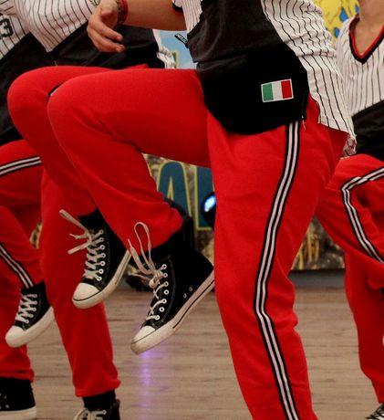 Czerwone spodnie dresowe