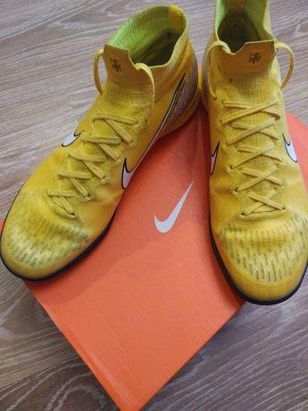 Кросівки футзалки Nike