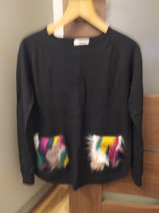 Czarny sweter z ozdobnymi kieszeniami Skierniewice - image 1