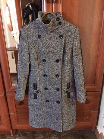 Пальто демосезонне
