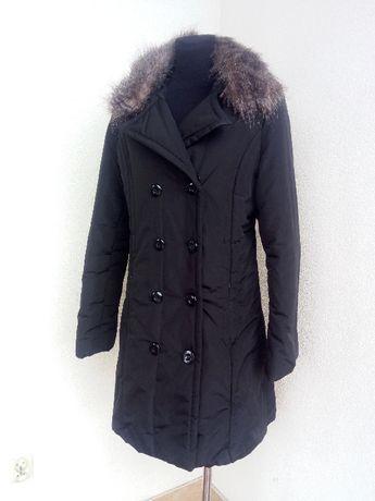 (38) Czarna kurtka zimowa 42-44