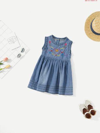 Красивое джинсовое платье для маленькой девочки