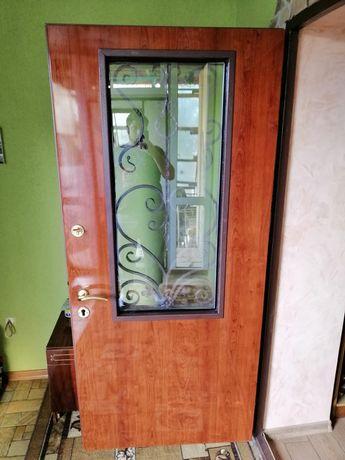 Металлические двери металлопластиковые окна