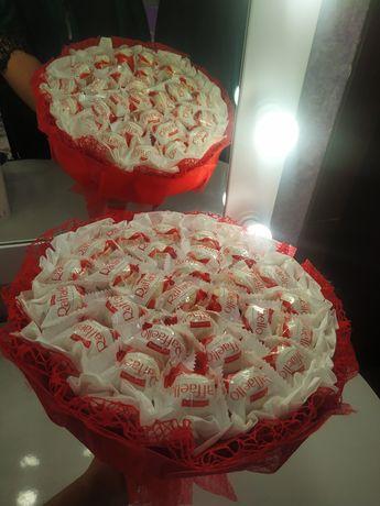 Съедобный подарок сердце для любимых. Букет из конфет. На 8 марта.