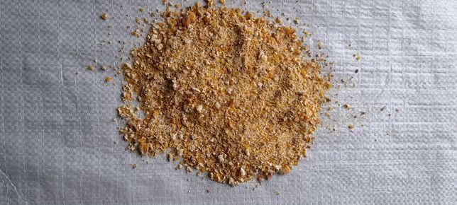 Kukurydza drobno mielona pakowane 10kg. 30kg.