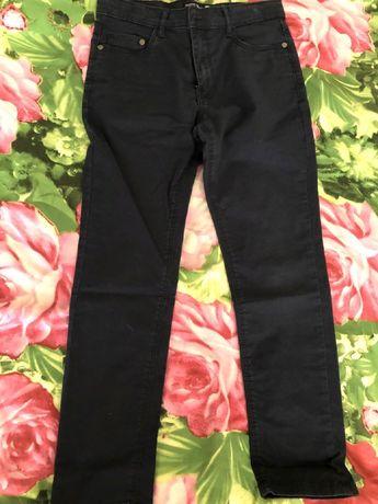 продам джинсы на мальчика школьные,размеры разные