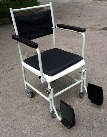 Санітарне крісло для інвалідів