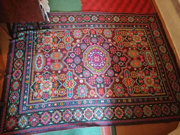 Старовинний килим , ручна робота. Старинный ковёр