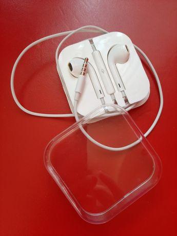 Наушники на iPhone 5,6