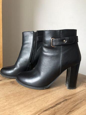 Czarny skórzane buty