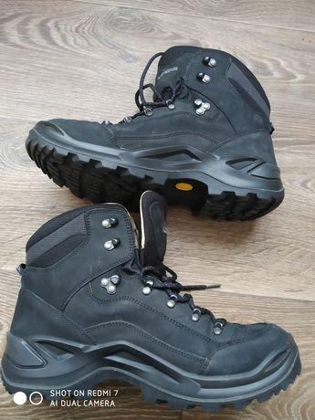 Ботинки Lowa 43раз.