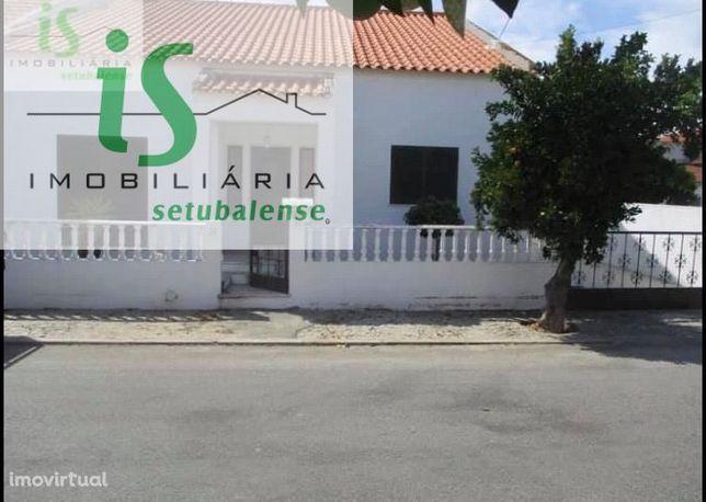 Moradia Térrea T3 Com 185 M2 Em Landeira - Vendas Novas