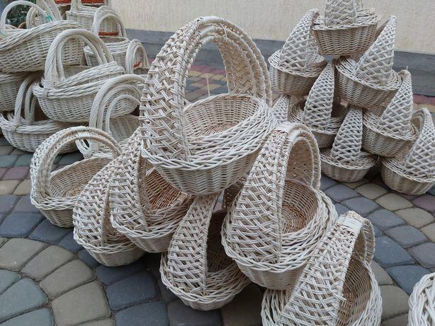 Великодні кошики, корзини. Пасхальні кошики. Польськи вибілені кошики.