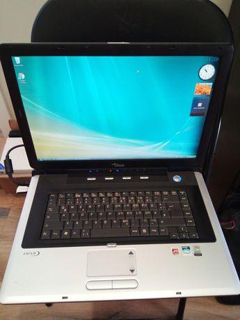 Laptop Fujitsu 18,5'' em muito bom estado, totalmente funcional vista