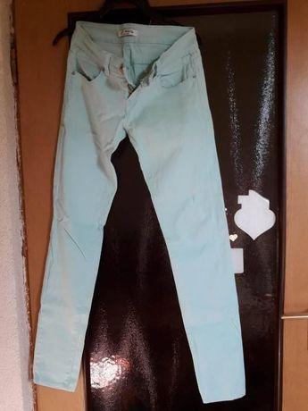 Spodnie rurki miętowe rozmiar S tanio!
