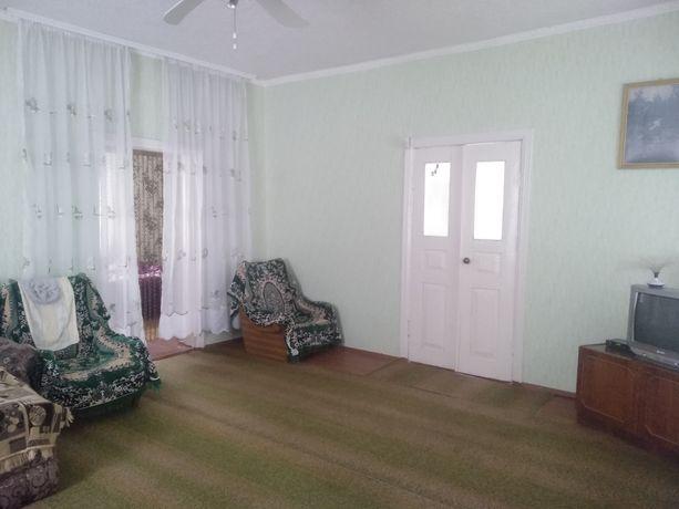 Продам хороший утеплений будинок не далеко від центру міста Узина
